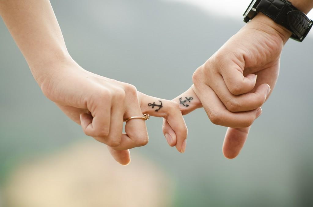 hands-437968_1280