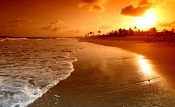 por-do-sol-em-praia-deserta-1378127996