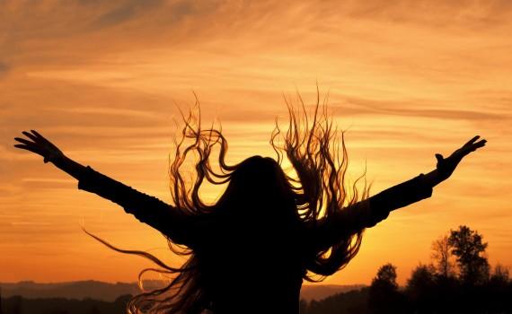 women-landscape-women-outdoors-sunset-silhouette-nature-2048x1403
